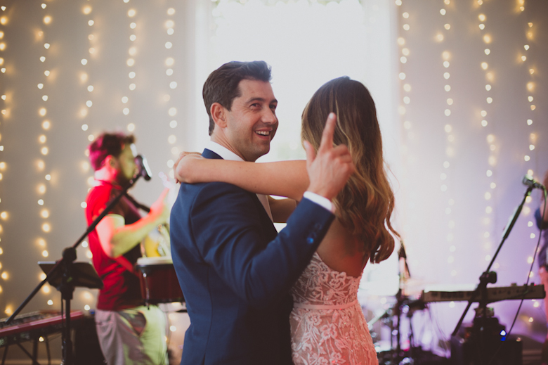 romantic first dance, Festival Wedding