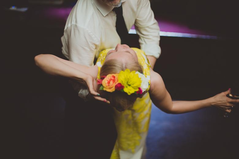 london wedding photographer - first dance