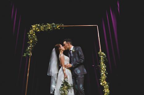 London Wedding Venues - London Photographer - natural wedding Photography - Hoxton Hall wedding photographer