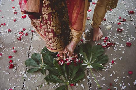 Outdoor Wedding Photography - Indian wedding - PHotographer UK - natural wedding photography