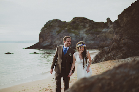 Outdoor Wedding Photography UK Worldwide - Devon photographer UK, natural wedding photography